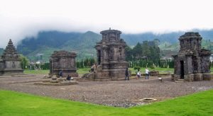 Kompleks Percandian Gunung Arjuna