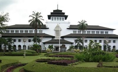 Sejarah Berdirinya Gedung Sate Di Kota Bandung