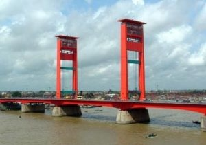 Sejarah Jembatan Ampera