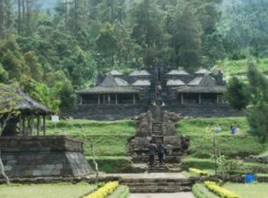 History Of Cetho Karanganyar Temple Origin And Temple Architecture