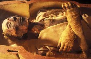 mumi mesir kuno