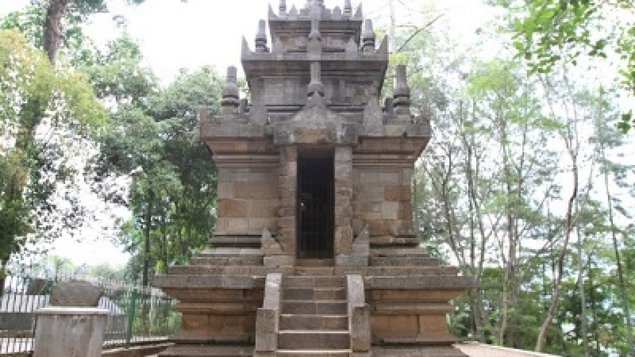 Image result for Candi Cangkuang