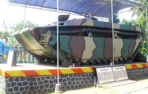 Tank Amfibi AMTrak (LVT) di museum brawijaya