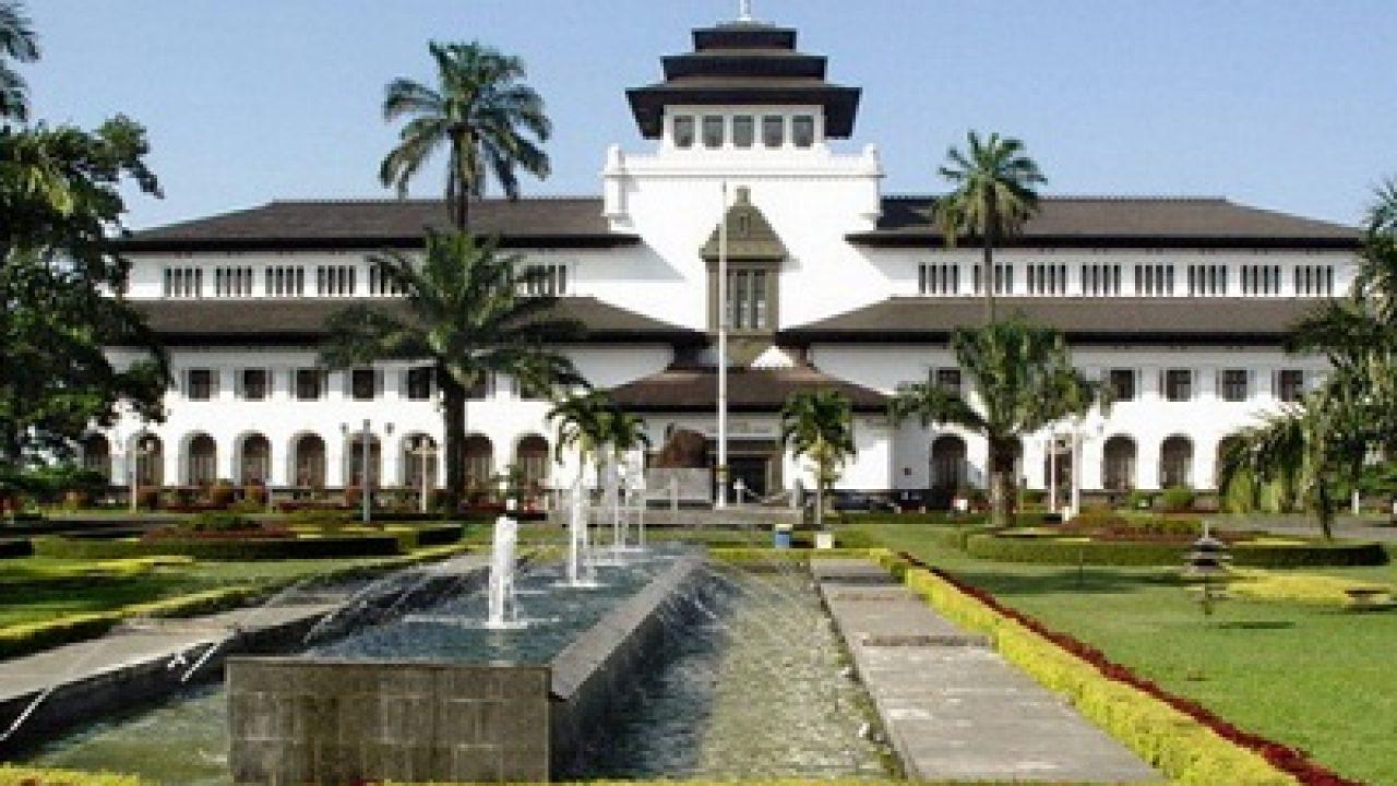 15 Bangunan Bersejarah Di Bandung Dan Penjelasannya