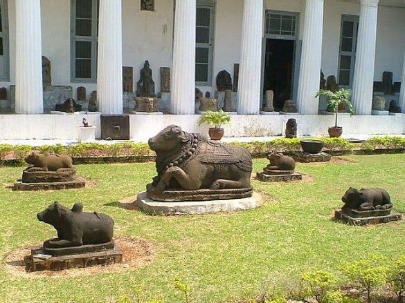 Koleksi Di Museum Gajah